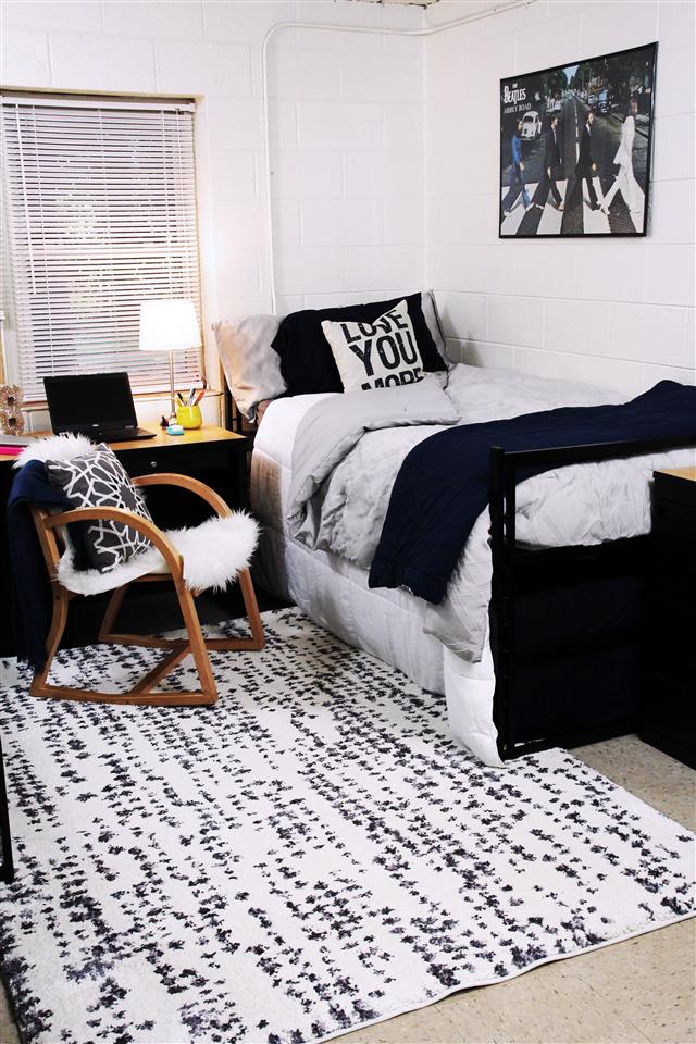 Dorm Life : Rug Style   Palmetto living